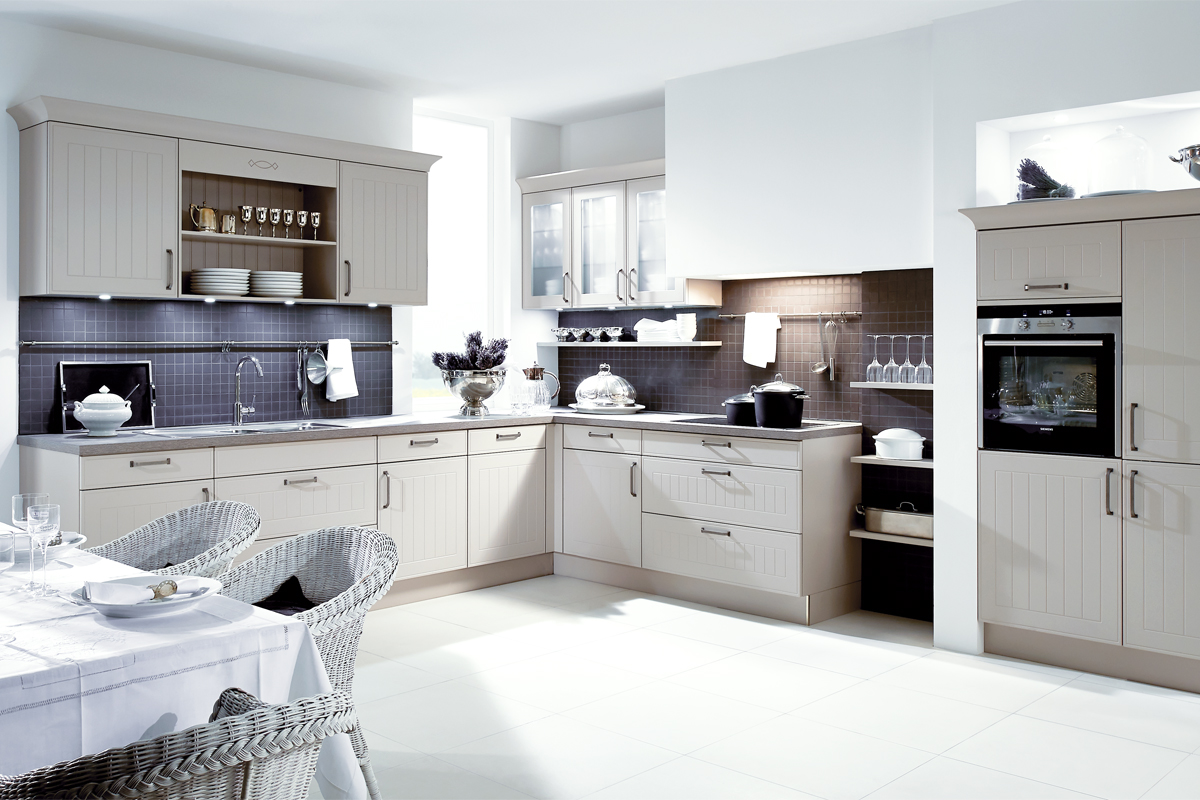 Urban Myth : More than a kitchen | Cashmere Laminate Wood Effect